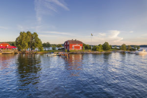 Sommarfest på egen ö i Stockholms skärgård
