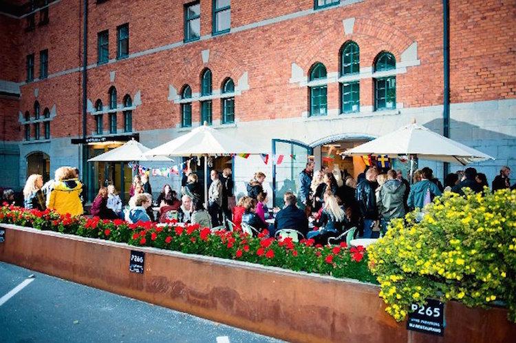 Sommarfest på Söder Mälarstrand i Stockholm