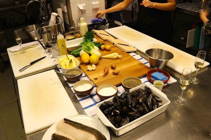 Matlagningsaktivitet samt vin- och drinkskola